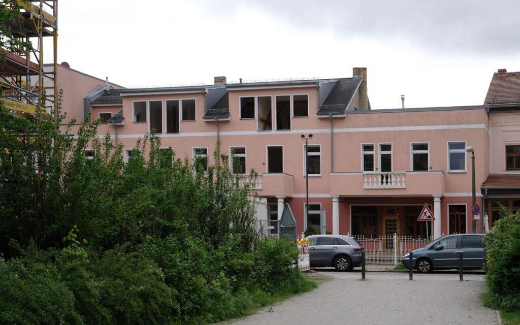 Haus links neben Kaffee Liebig